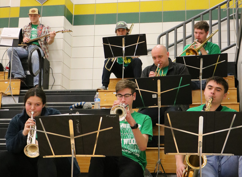JWCC students participating in pep band